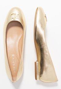 Lauren Ralph Lauren - METALLIC GISSELLE - Ballet pumps - pale gold - 3