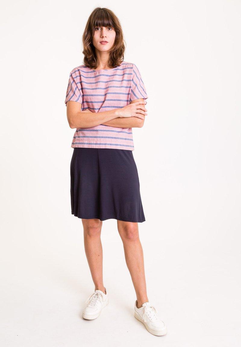 UVR Berlin - A-line skirt - marineblau