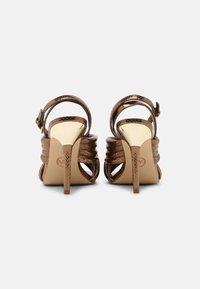 MICHAEL Michael Kors - ROYCE - Sandaalit nilkkaremmillä - dark bronze - 3
