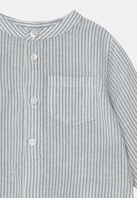 ARKET - UNISEX - Shirt - white/blue - 2