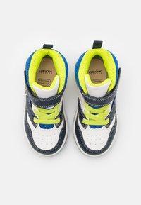 Geox - INEK BOY - Sneakersy wysokie - white/navy - 3