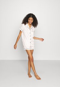 Loungeable - TRADITIONAL SHORT SLEEVE SHIRT  - Pigiama - white - 1