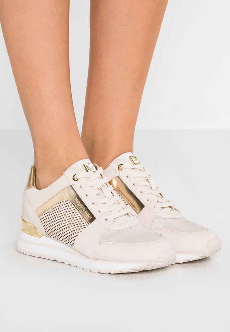 MICHAEL Michael Kors - BILLIE TRAINER - Sneakersy niskie - light cream