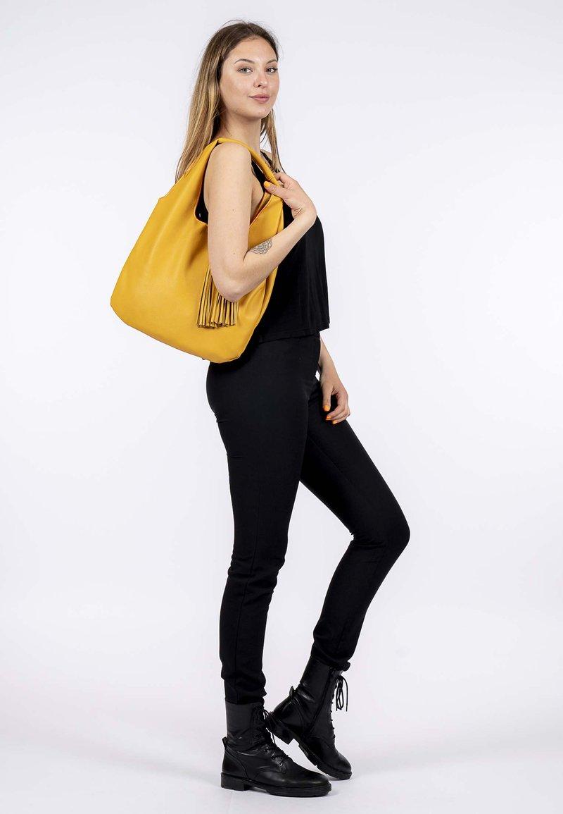 Emily & Noah - Tote bag - yellow