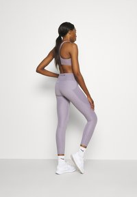 Nike Performance - FEMME FAST - Legging - violet haze/venice - 2