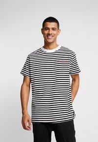 Night Addict - T-shirt med print - black/white/red - 0
