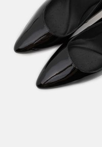 Clarks - LAINA RAE  - Decolleté - black - 5