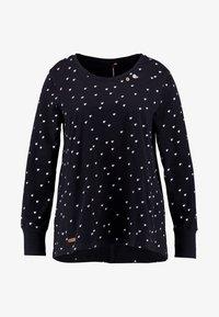 Ragwear Plus - MALINA HEARTS BUTTON BACK TEE - Long sleeved top - black - 4