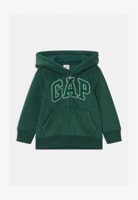 GAP - TODDLER BOY  - Kurtka z polaru - pine green - 0