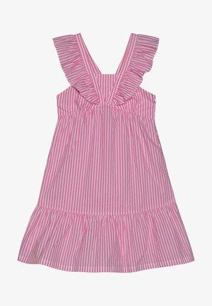 CRISPY DRESS IN YARN DYED STRIPES - Denní šaty - pink/white
