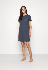 ONLY - ONLEMELIE DRESS - Chemise de nuit / Nuisette - ombre blue - 1