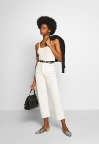 And Less - ALAYA - Top - brilliant white - 1