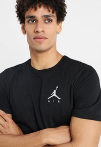 Jordan - JUMPMAN AIR TEE - T-shirt basic - black/white - 3