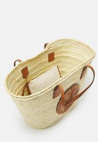 Tory Burch - ELLA BASKET TOTE - Tote bag - natural - 3