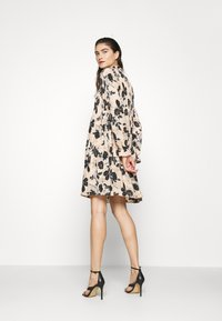 Cras - BELLACRAS DRESS - Sukienka letnia - babeth - 2