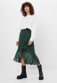 Bershka - MIT PRINT  - A-line skirt - black - 3
