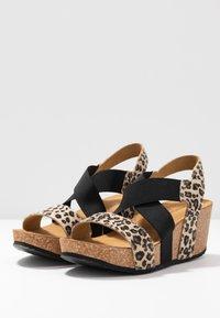 Copenhagen Shoes - STACIA LEOPARD - Sandalias con plataforma - brown - 4