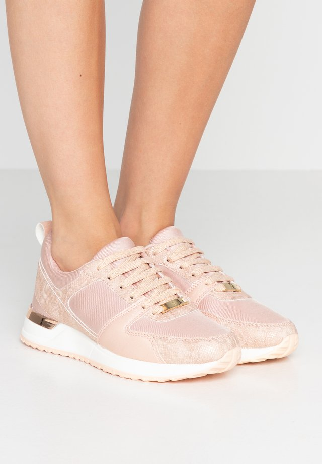 Trainers - piel