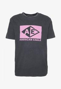 BOUND NECK TEE - Print T-shirt - jet black