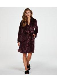 Hunkemöller - Dressing gown - red - 0