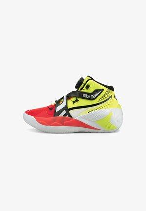 DISC REBIRTH - Chaussures de basket - yellow alert/red blast