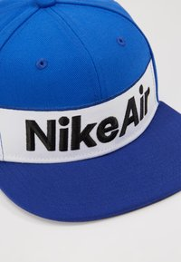 Nike Sportswear - NSW NIKE AIR FLAT BRIM - Kšiltovka - game royal - 2