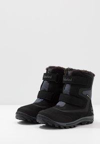 Timberland - CHILLBERG 2-STRAP GTX - Snowboot/Winterstiefel - black - 3