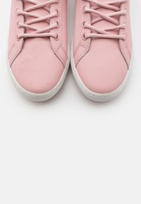 Lacoste - STRAIGHTSET - Baskets montantes - pink/offwhite - 5