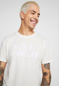 Replay Sportlab - Triko spotiskem - chalk - 3