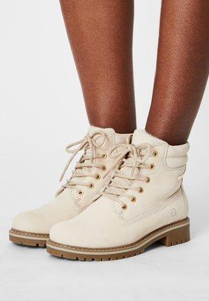 Winter boots - antelope