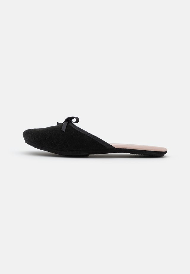 SATI - Slippers - black