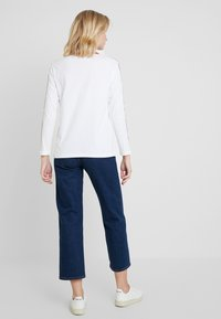 Calvin Klein Jeans - MONOGRAM TAPE STRAIGHT TEE - Long sleeved top - bright white / red - 2