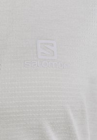 Salomon - AGILE TEE - Funktionsshirt - white/oyster mushroom heather - 2