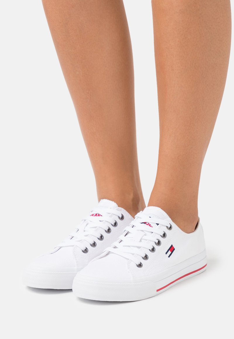 Tommy Jeans - LOW CUT VULC - Trainers - white