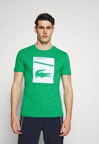 Lacoste Sport - GRAPHIC - Triko spotiskem - palm green - 0