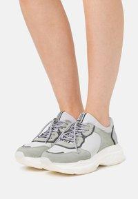 Bronx - BAISLEY - Sneaker low - white - 0
