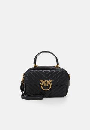 LOVE MINI SQUARE QUILT - Across body bag - black