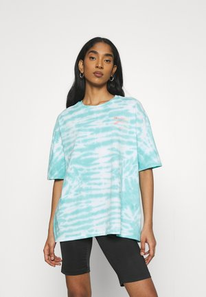 TRUE BOY PIPE TEE - T-shirts med print - baja blue