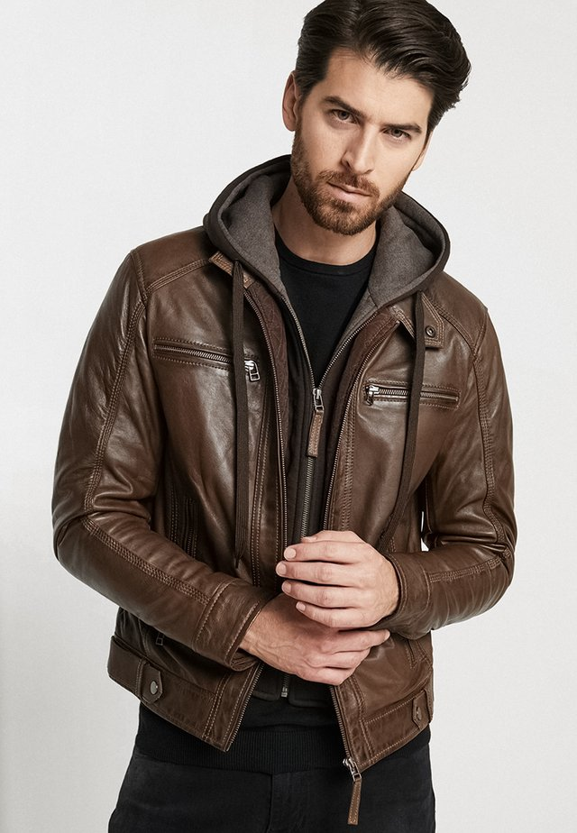 ERIC HOOD - Leather jacket - mocca