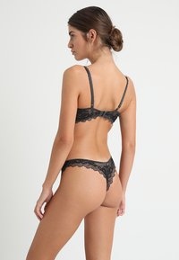 Wacoal - PERFECTION - String - charcoal - 2