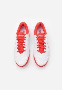 ASICS - GEL-DEDICATE 6 - Tenisové boty na všechny povrchy - white/fiery red - 5