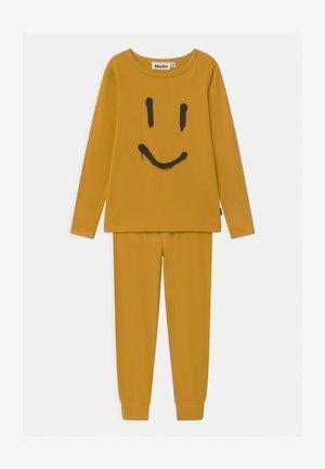 LUVE - Pyjama set - nugget gold
