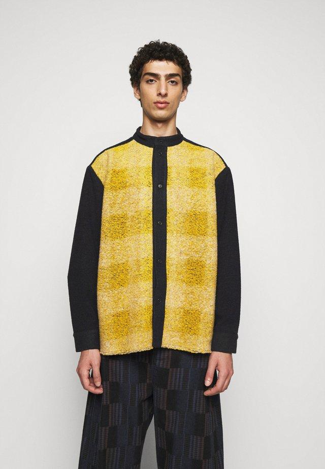 BATH JACKET - Summer jacket - black/yellow