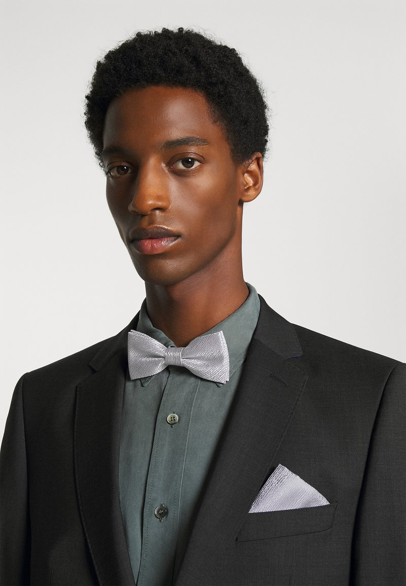 Only & Sons - ONSTOBIAS PATTERN BOWTIE SET - Bow tie - quiet grey