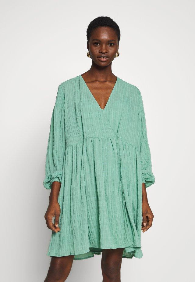 JOLIE DRESS - Day dress - creme de menthe