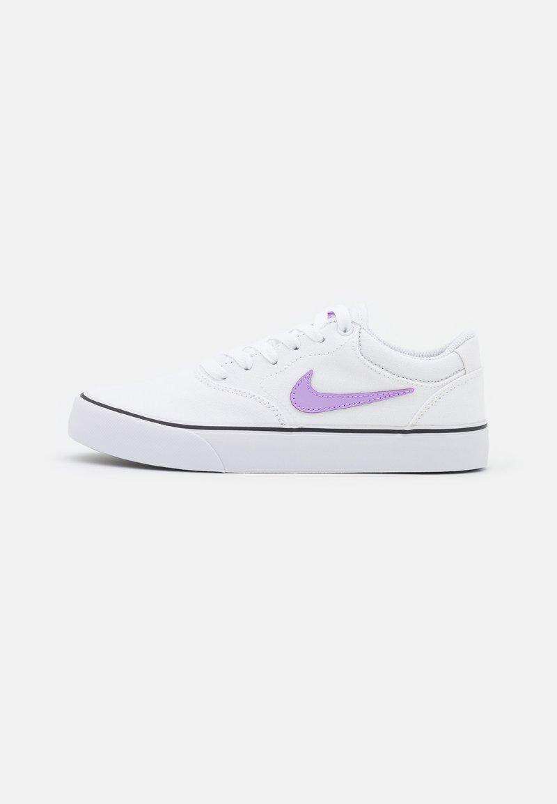 Nike SB - CHRON 2 UNISEX - Trainers - white/lilac/black