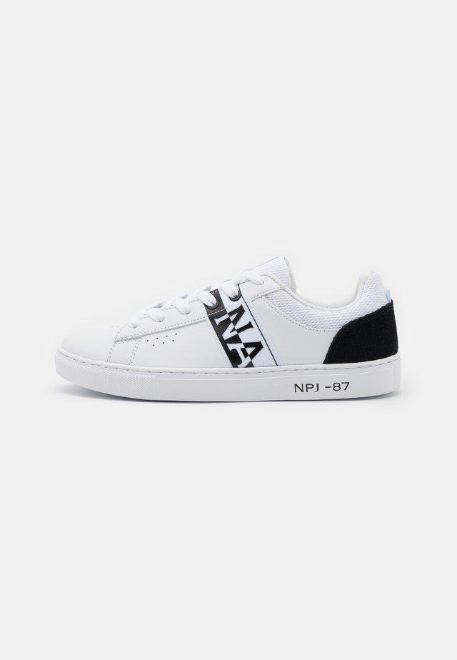 WILLOW - Sneaker low - white/black