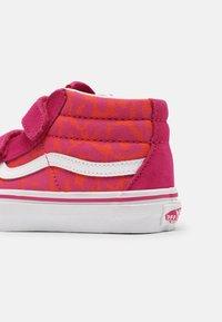 Vans - SK8-MID REISSUE V - Vysoké tenisky - neon animal leopard/pink - 4