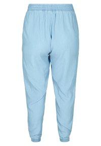 Zizzi - Tracksuit bottoms - light blue - 3