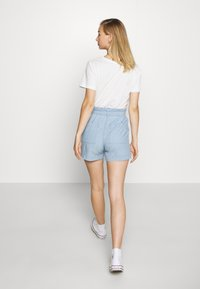 Vero Moda - VMEMILY POCKET - Szorty - light blue denim - 2